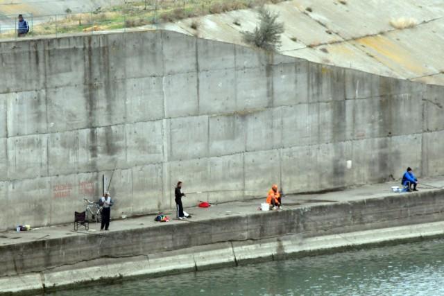 Adapostiti de vant dupa baraj