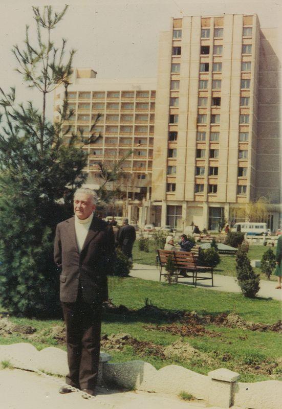 Marandici Serghie -1982  ultima fotografie cu 5 zile  inainte de Paste