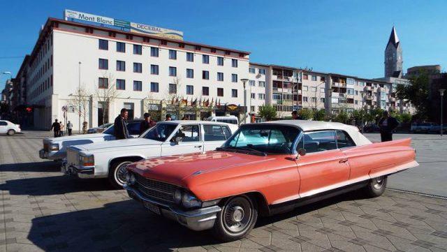 Cadillac-urile, somptuoase, grele, americane (Foto: Petru Done)