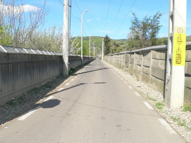 O alta strada anonima din Comanesti