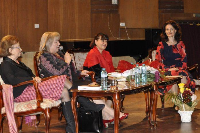 """Elena Bulai, Violeta Ursinschi, Adriana Ambrosie şi Mihaela Chiribău, """"călătoare"""" cu Arca lui Noe, la sala Ateneu"""