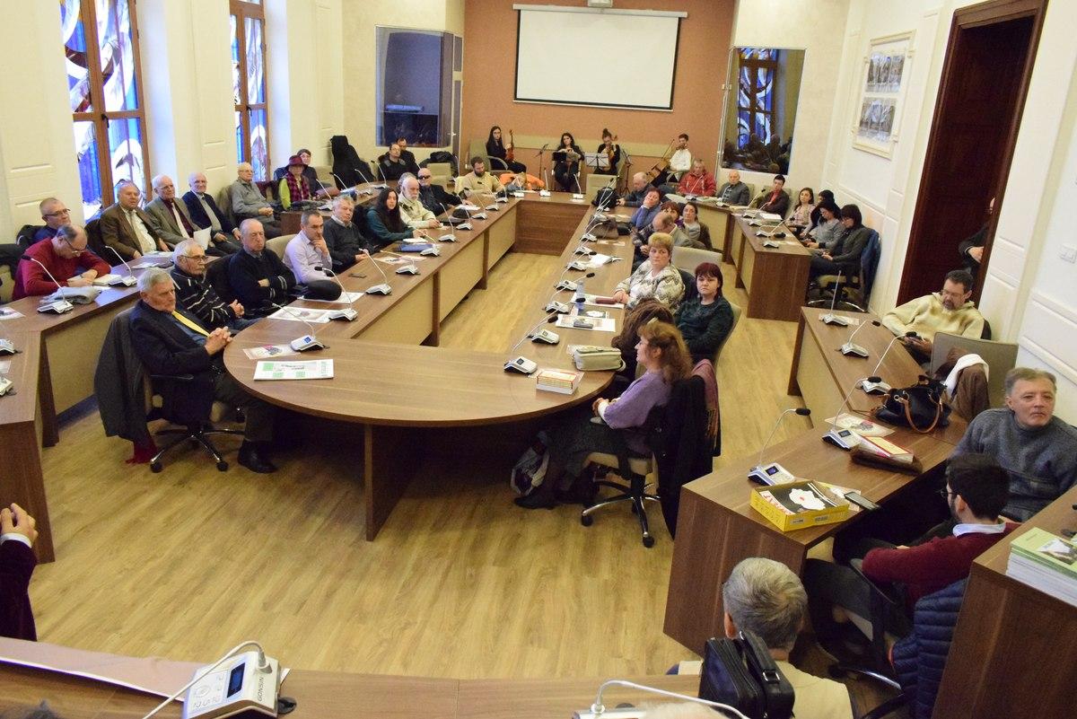 Ziariştii profesionişti din Bacău au revistă proprie: CONTEXT